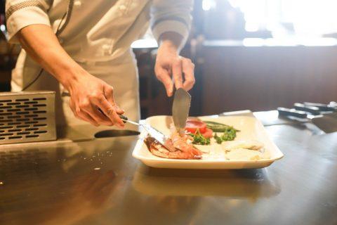 10 outils de cuisine essentiels dont toute cuisine de débutant a besoin